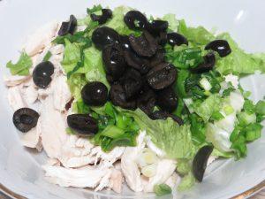 салат мясо оливки