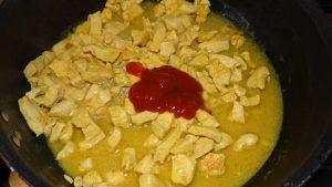 куриный гуляш в томатном соусе