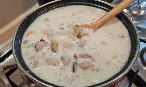 сырный суп с морским коктейлем