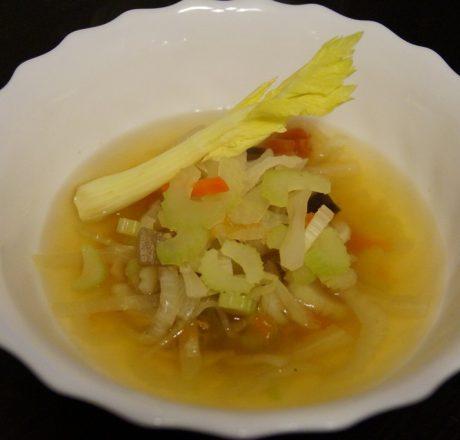 Диетический суп с сельдереем