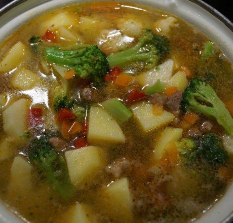 картошка с овощами и мясом