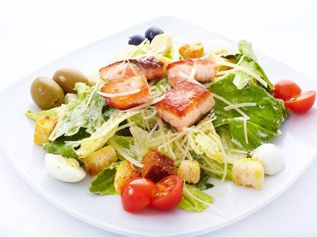 Рецепт салата цезарь с семгой фото