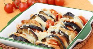 Баклажаны с моцареллой и помидорами в духовке
