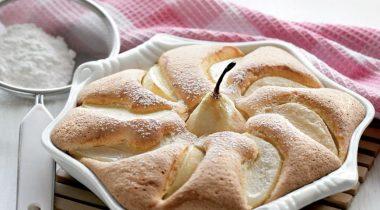 Бисквит с грушами