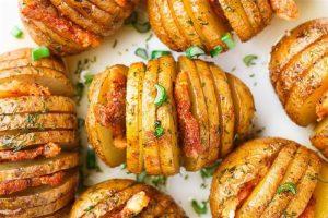 Картофель в мультиварке с беконом