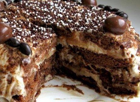 Банановый торт со сметанным кремом