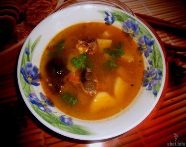 Картофельно-томатный суп с сардинами