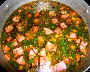 Острый испанский суп с копчёнными колбасками