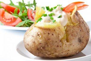 Картофель под сырным соусом