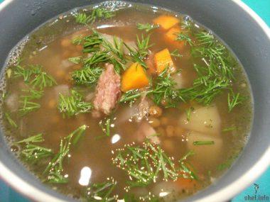 Суп из чечевицы с копченостями.