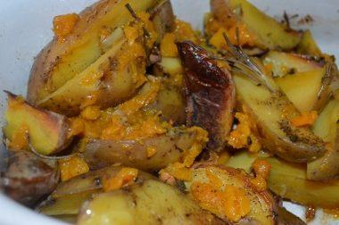 Запеченный картофель с тыквой