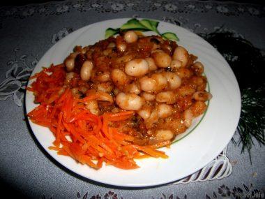 Фасоль в томатном соусе