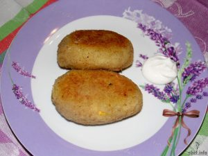 Картофельные зразы с начинкой из мяса, яиц и зеленого лука