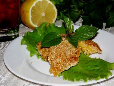 Куриное филе в семенах кунжута