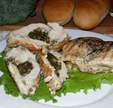 Куриные грудки со шпинатом и сыром