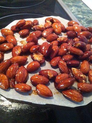 орехи в сахарной глазури