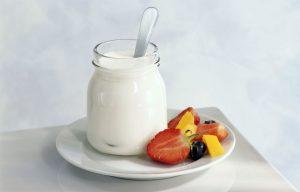 Домашний йогурт с ягодами