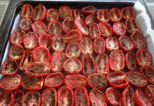 Подготовка томатов для сушки в духовке