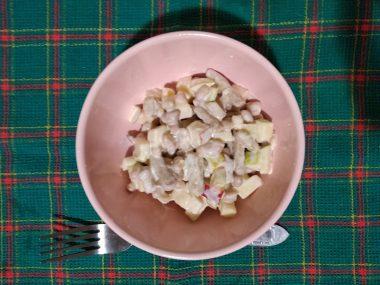 Салат с фасолью и яблоками