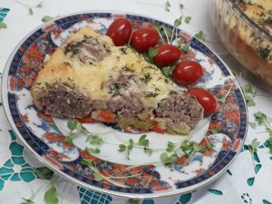 пирог с фрикадельками и овощами