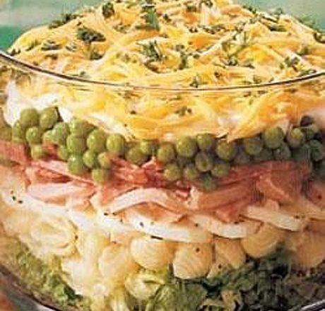 Сытный восьмислойный салат
