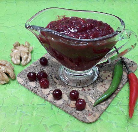 Бруснично-ореховый соус