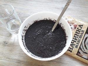 Сдобный пирог с маковой прослойкой