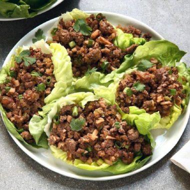 Буррито в листьях салата