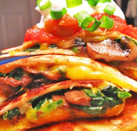 Кесадилья с грибами и шпинатом