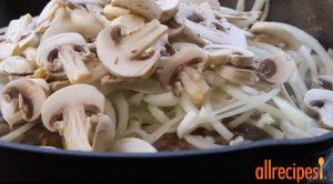 Стейк Солсбери с грибами