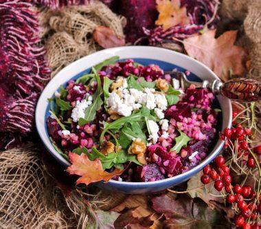 Салат из запеченной свеклы с гречкой