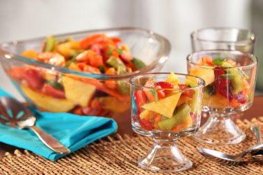 Салат из тропических фруктов с имбирным сиропом