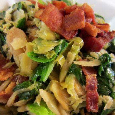 Теплый салат из брюссельской капусты