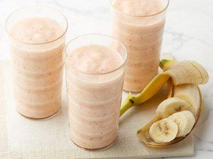 Фруктовые смузи с бананом