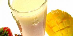 Фруктовые смузи с манго