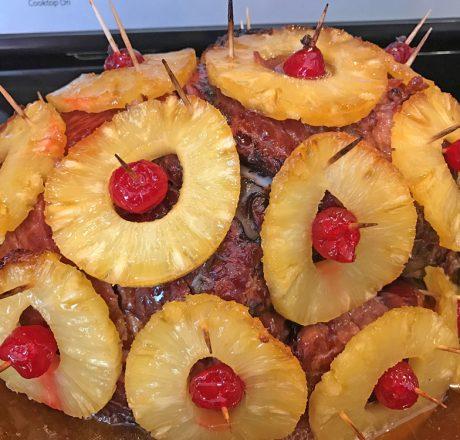 Запеченная ветчина с ананасом