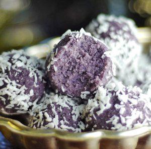Черничные кокосовые шарики Блисс