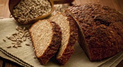 Хлеб ремесленника с проросшим зерном