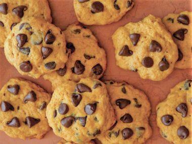 Тыквенное печенье с шоколадной крошкой